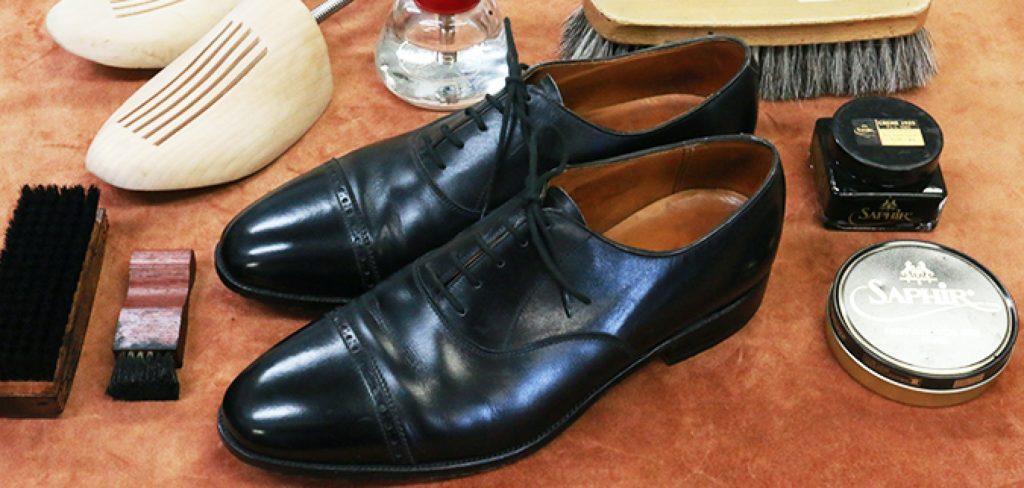 自宅で靴磨き